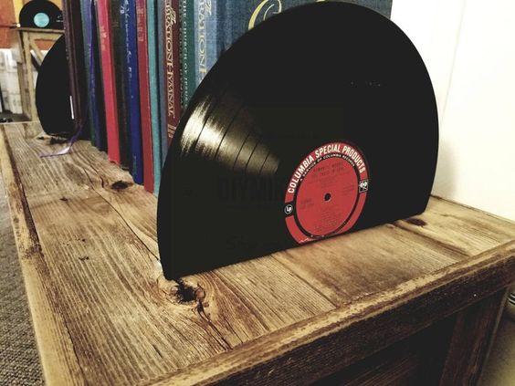 Sujetalibros con discos vinilos